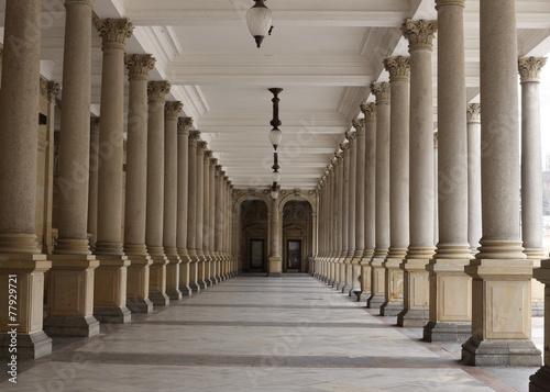 Fotografie, Obraz  Klasický styl kolonáda, Karlovy Vary