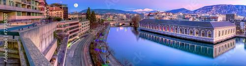 Fotografia BFM, building and Rhone river, Geneva, Switzerland