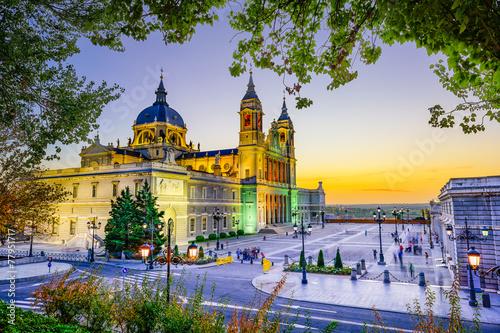 Spoed Fotobehang Madrid Almudena Cathedral in Madrid, Spain