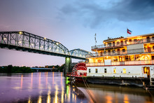 Chattanooga, Tennessee Riverbo...