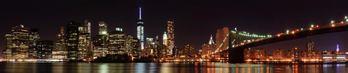 New York City skyline panorama with Brooklyn Bridge
