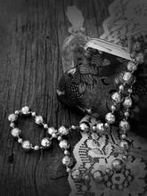 Vintage Handbag With Pearls