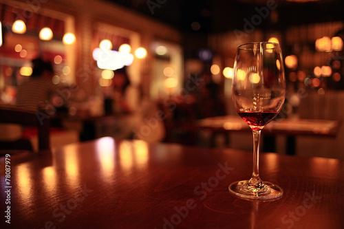 Fotografía  glass with red wine, tasting, restaurant
