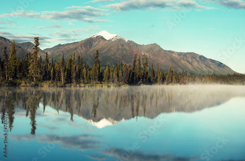 Deurstickers Landschap Lake on Alaska