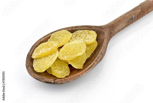 Fototapeta Imbir w cukrze na drewnianej łyżce obraz