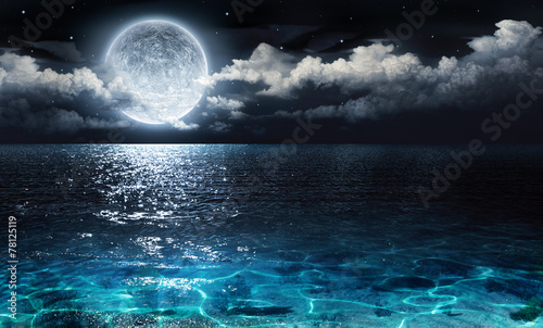 Poster Ocean romantic and scenic panorama with full moon on sea to night
