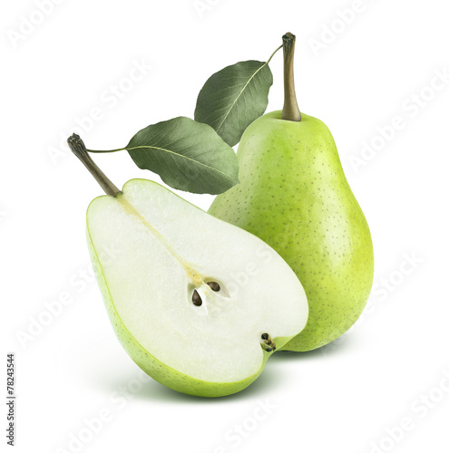 Photo Green pear and half isolated on white background