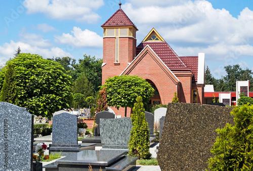 Keuken foto achterwand Begraafplaats Tombstones and a chapel in the cemetery