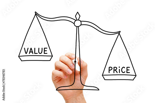 Fotografía  Price Value Scale Concept