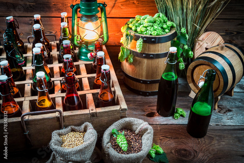 Fototapety, obrazy: Ingredients for beer and bottles in the cellar