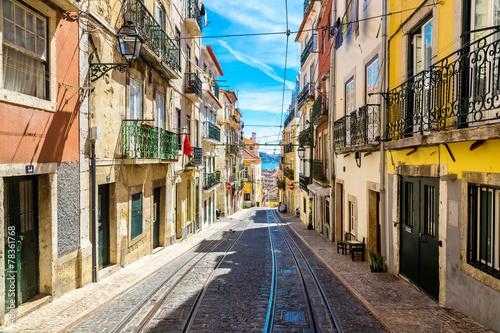 Spoed Foto op Canvas Mediterraans Europa Old Lisbon street