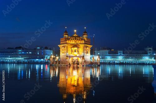 Obraz na plátne  Golden Temple at night. Amritsar. India