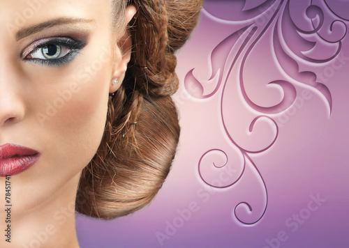 fioletowe-hipnotyzujace-spojrzenie
