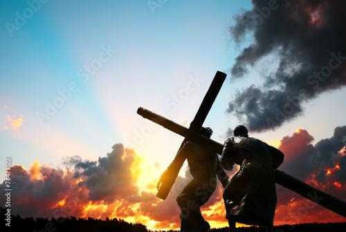 Valokuvatapetti Christ carrying the cross