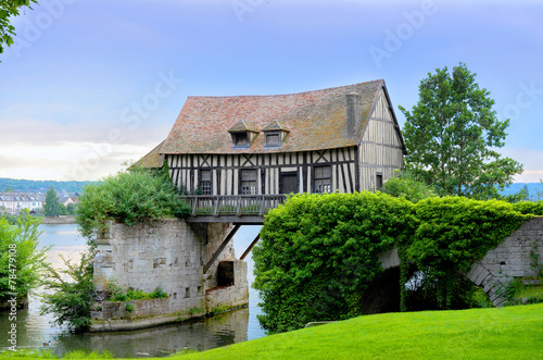 Valokuvatapetti Old mill house on bridge, Seine river, Vernon, Normandy, France