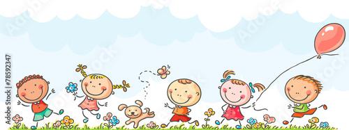 biegnace-wesole-dzieci