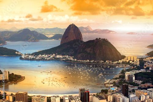 Spoed Foto op Canvas Brazilië Rio De Janeiro, Brazil in twilight