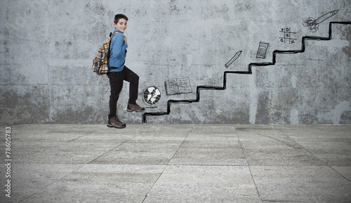 Fotografie, Tablou  child in the scale of education