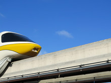 High Speed Monorail Train Clos...