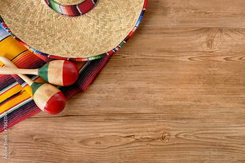 Poster Mexico Mexican sombrero and blanket on pine wood floor