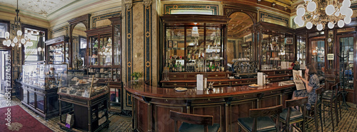Photo sur Toile Vienne Cafe Demel Wien Innen Panorama