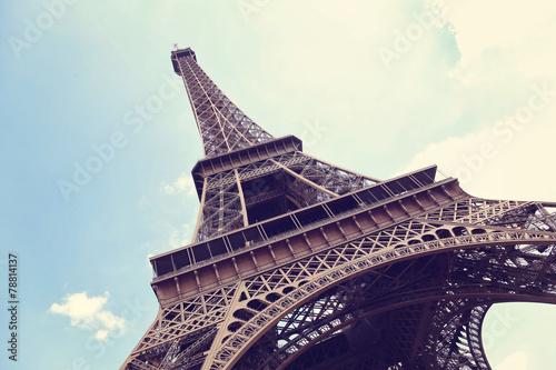 Papiers peints Tour Eiffel Eiffel Tower in Paris, France on a blue sky