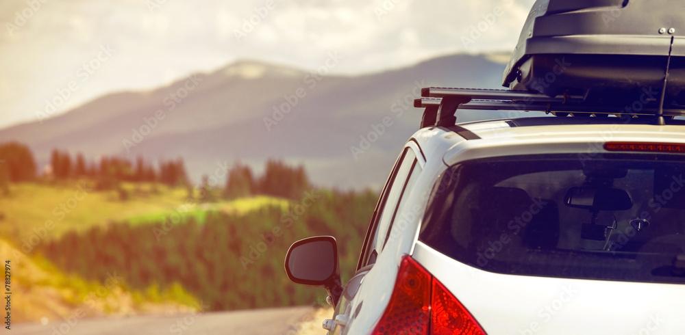 Leinwandbild Motiv - Alex Green : car with a roof rack