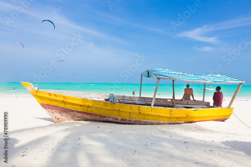 Foto op Aluminium Zanzibar White tropical sandy beach on Zanzibar.