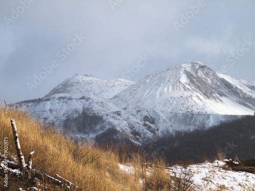 Tuinposter Bergen 冬の有珠山