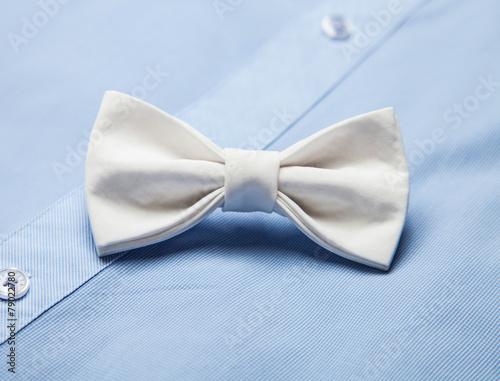 Fotomural White bow tie