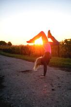 Handstand Mit Sonne
