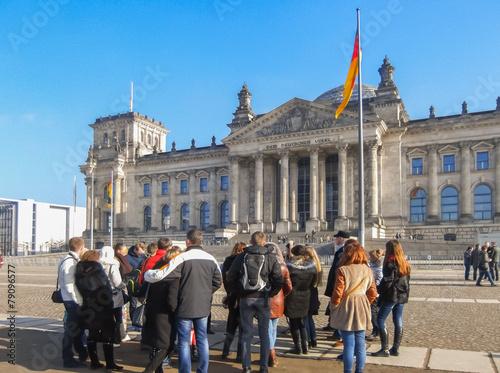Poster Berlin Reichstag mit Reisegruppe