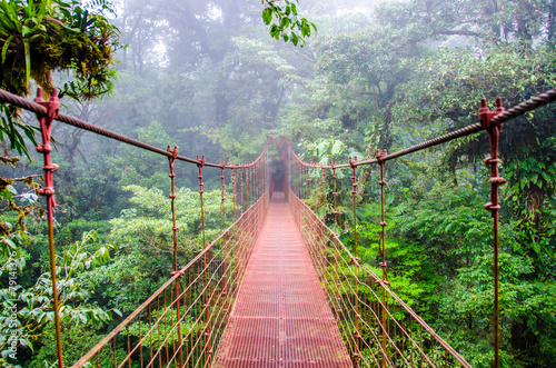 Fotobehang Bruggen Bridge in Rainforest - Costa Rica - Monteverde
