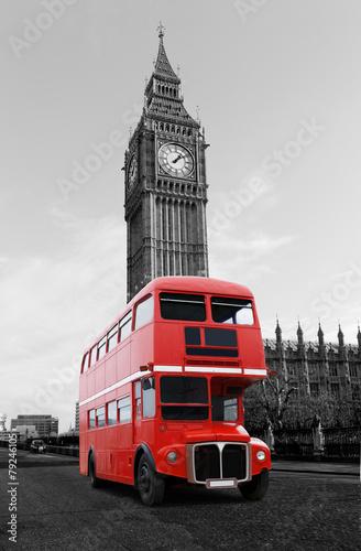 londynski-autobus-przed-big-ben