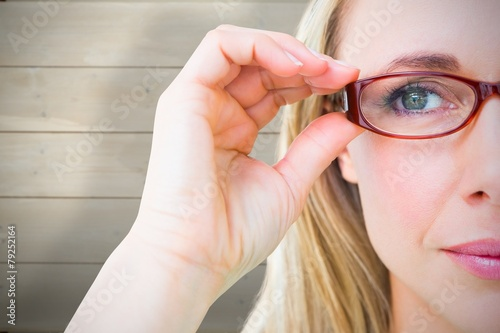 Fotografía  Pretty blonde with red reading glasses