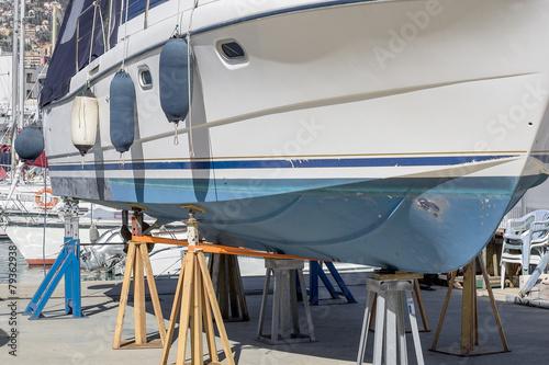 Fotografía  Barca in riparazione