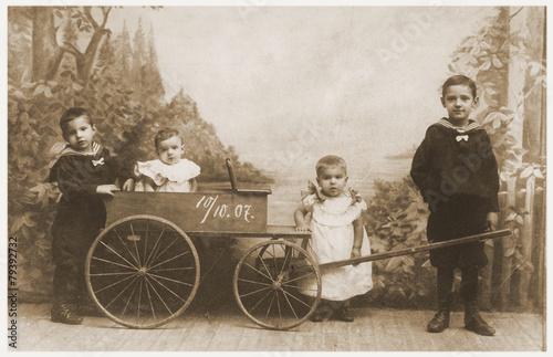 geschwister-im-jahre-1907