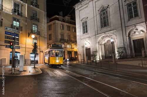 Fotografie, Tablou  Tramway Lisbonne Portugal