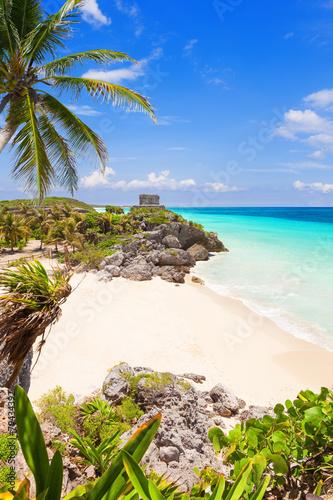 Foto op Plexiglas Caraïben God of Winds Temple on turquoise Caribbean sea. Tulum, Mexico