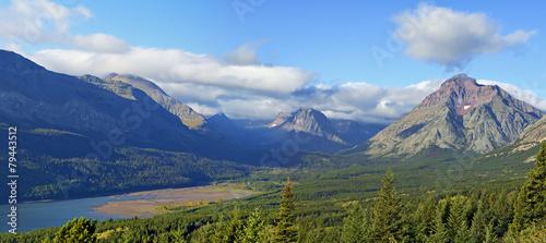 Valokuva  Lake Sherburne Glacier National Park Early Morning