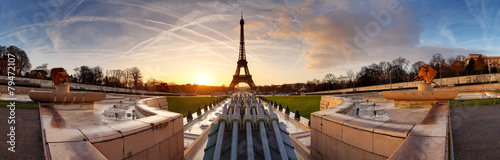 Spoed Foto op Canvas Parijs Panorama of Paris at sunrise with Eiffel tower