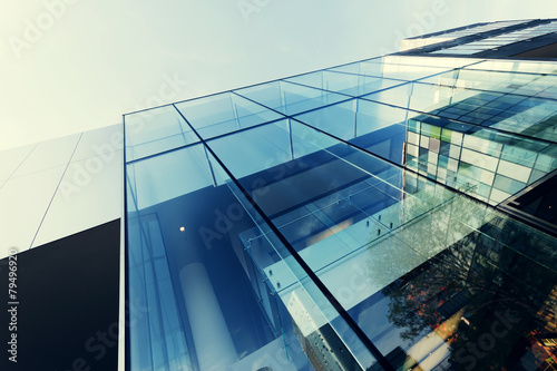 Fotografia modern office building exterior and glass wall