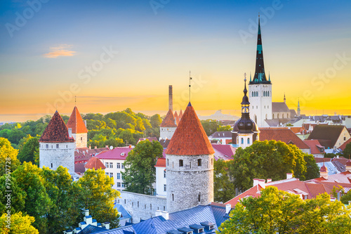 Photo sur Toile Europe de l Est Tallinn, Estonia Old City Skyline