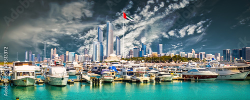 Foto op Plexiglas Abu Dhabi quay in Abu Dhab