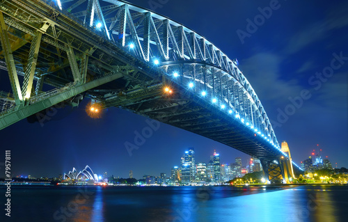 Photo  Sydney Skyline and Harbor Bridge at night