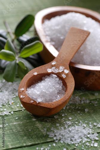 sale grosso marino nel cucchiaio di legno Slika na platnu
