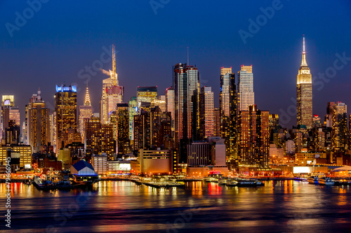 Fototapety, obrazy: New York City night skyline Manhattan buildings midtown