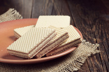 Plate With Wafers
