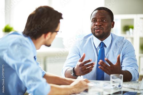 Fototapety, obrazy: Talking businesspeople