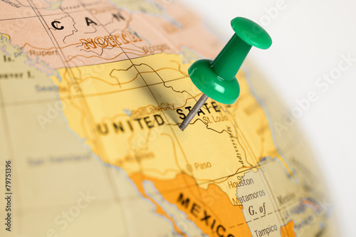 Location United States. Green pin on the map. Canvas Print